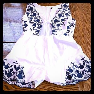 Other - Romper/play suit wht & navy embroidered accent (L)